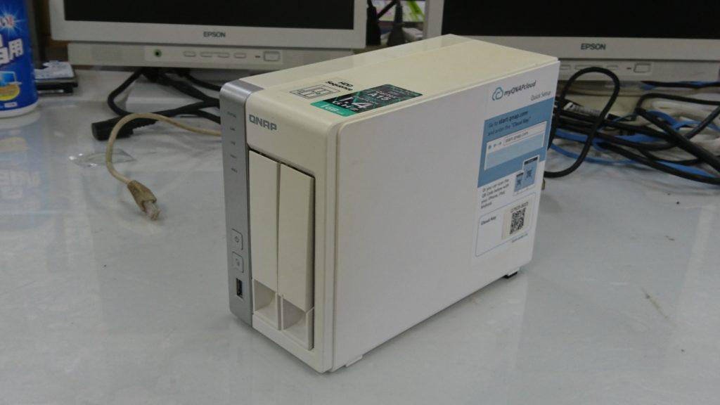 QNAP TS-231+【正面】